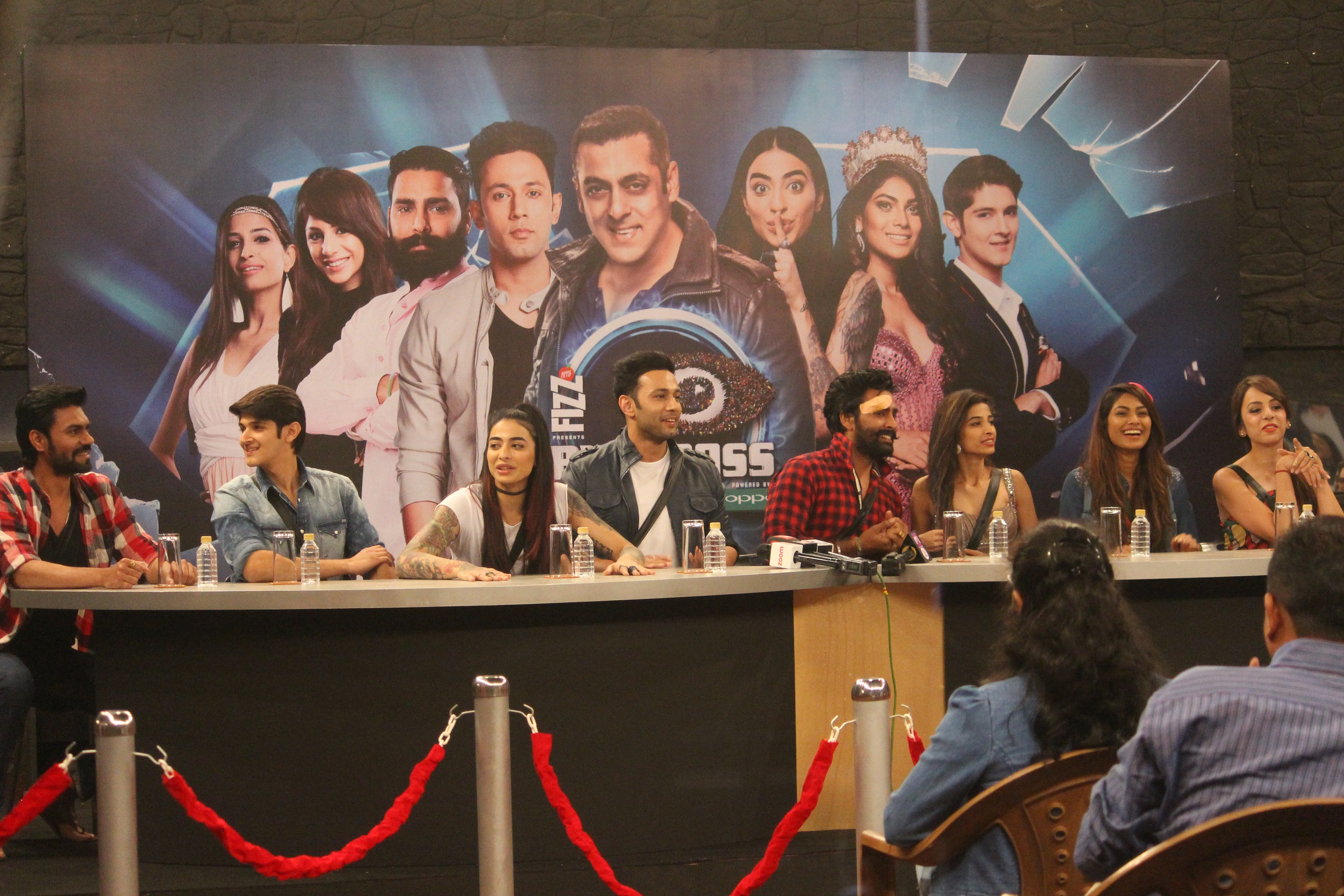 bani-walks-out-of-the-bigg-boss-house-press-conference-1